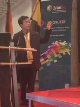 Woohyun Shim at SECONOMICS presentation